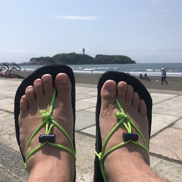 5/2 ワラーチウォーキング30分 2.79km。まずまずのペース^ ^流石にGWであったかくなってきたので人がたくさんでしたね。皆さんはGWいかがお過ごしですか?僕はほぼ仕事です笑#ワラーチ #ワラーチ作り #ワラーチワークショップ #江ノ島 #鵠沼海岸 #あなたのお悩み駆け込み寺永久