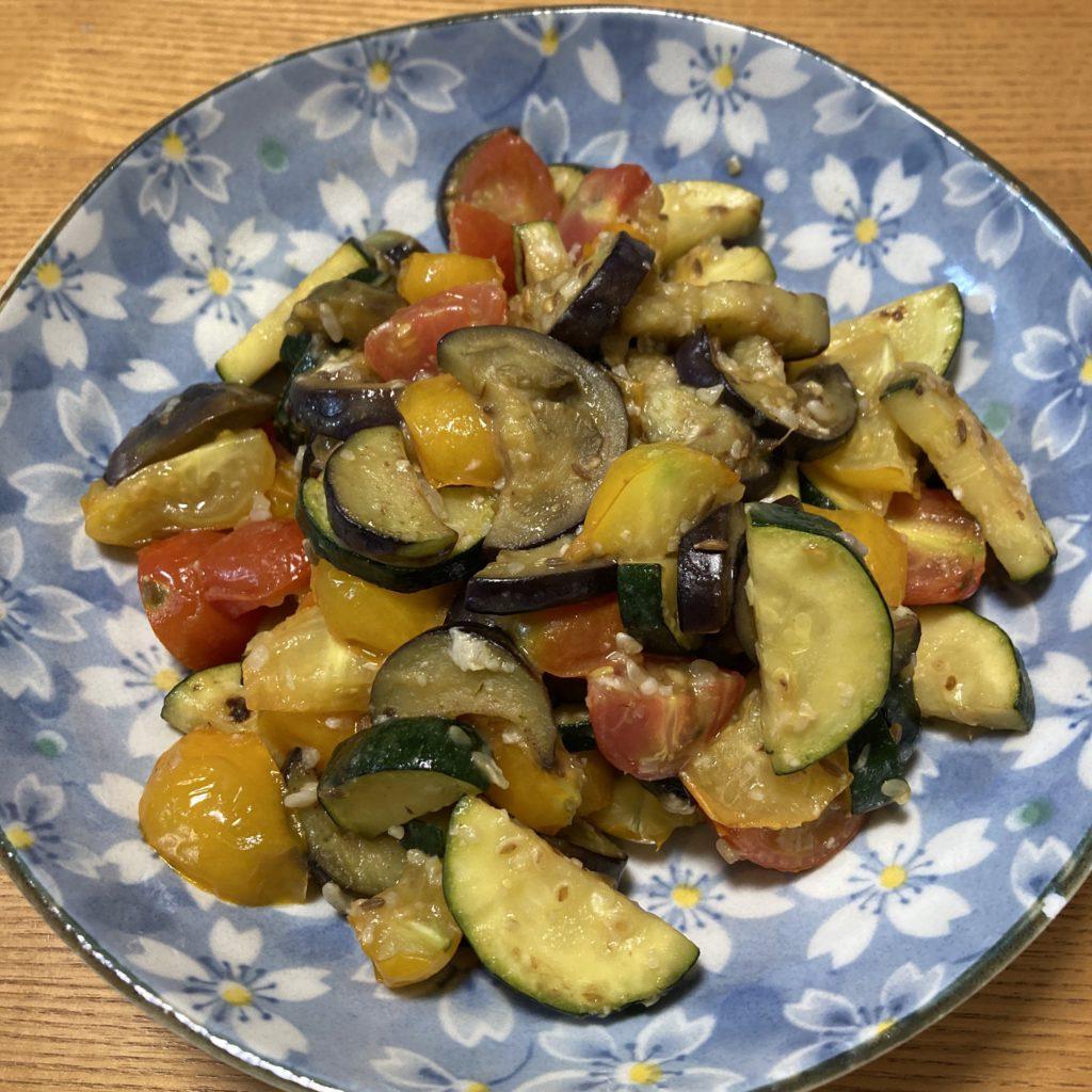【簡単薬膳レシピ】ナスとズッキーニの塩麹炒め